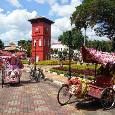 Melaka: La ciudad de los tuk-tuk horteras. Descubriendo la parte menos turística gracias a Couchsurfing