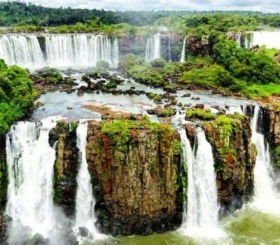La magia de las Cataratas del Iguazú y los desconocidos Saltos del Monday. La triple frontera Brasil – Argentina – Paraguay