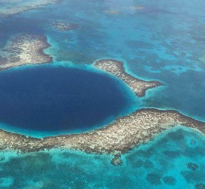 Bucear y Volar sobre el Gran Agujero Azul de Belice. ¡Una maravilla de la naturaleza!